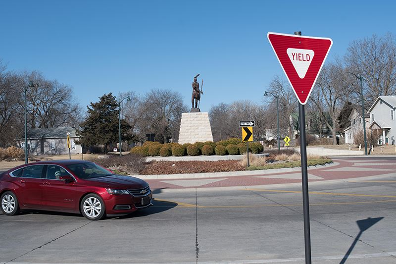 photo of the roundabout at Anderson and 4th