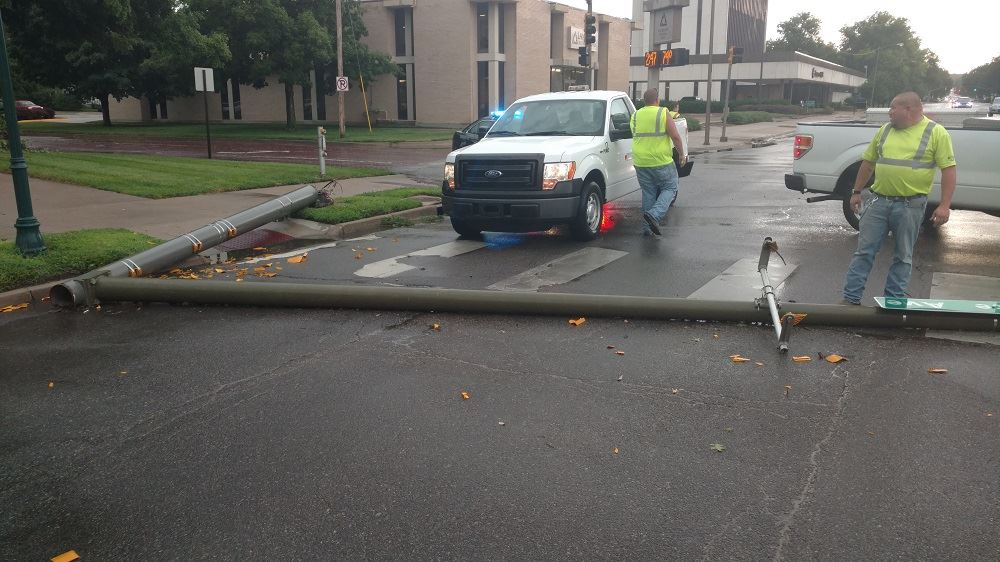 photo of the downed signal pole at Juliette and Poyntz