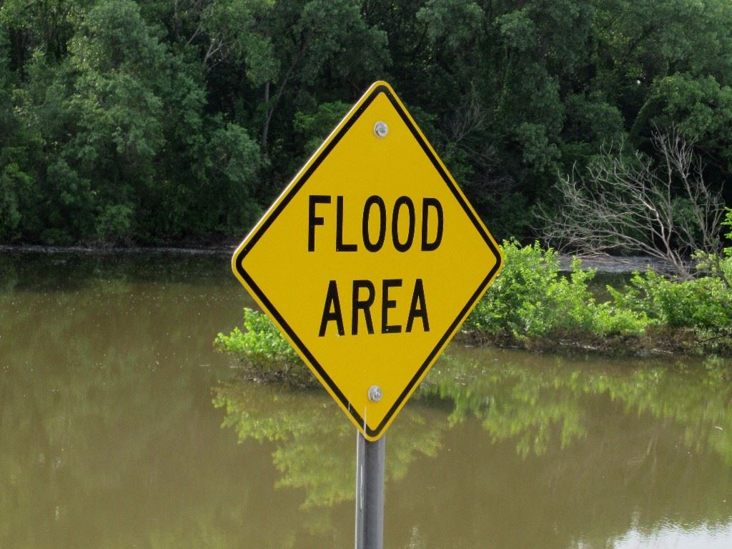 photo of sign reading Flood Area