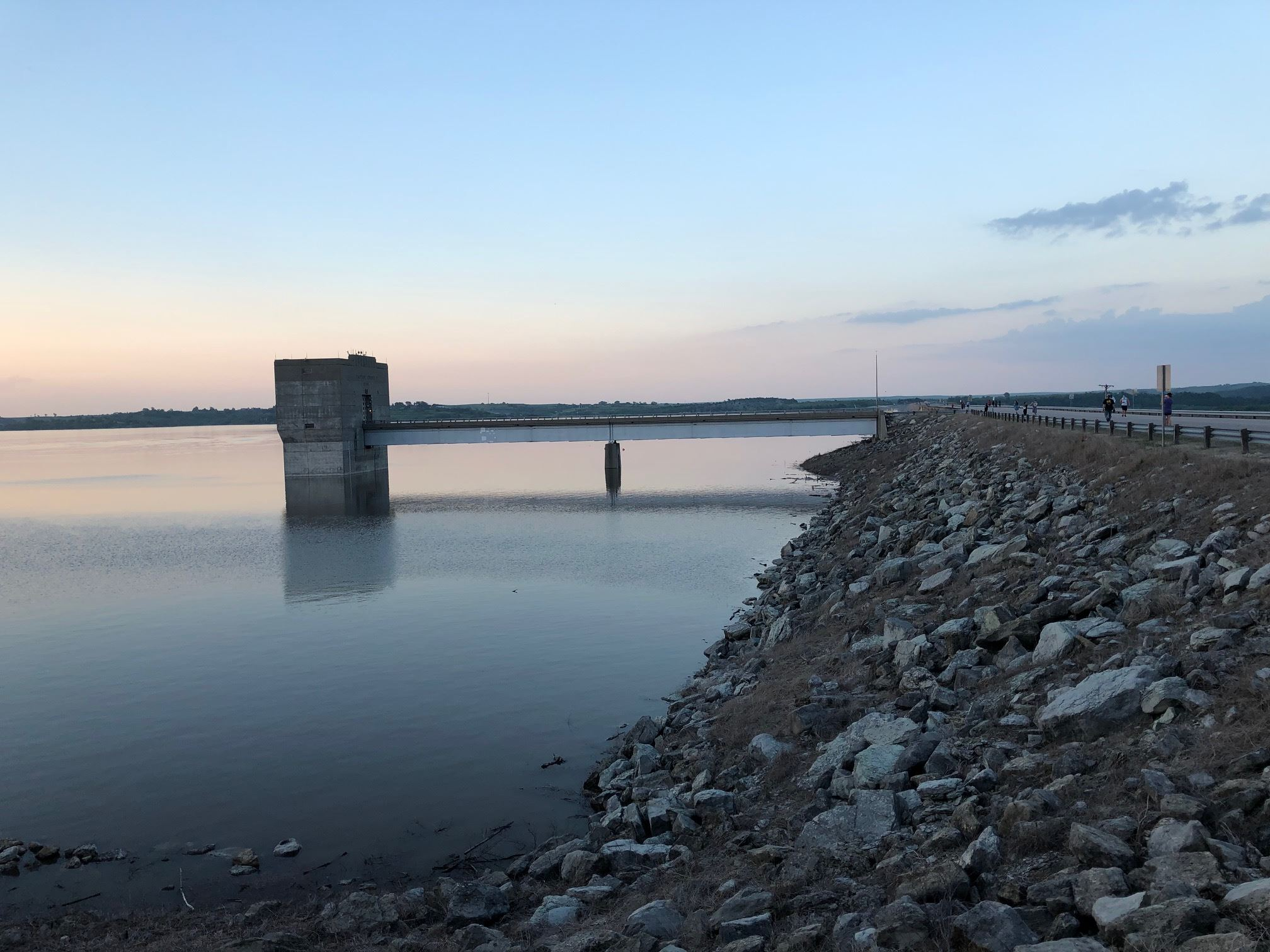 photo of the dam at Tuttle Creek Lake taken 5/27/2019